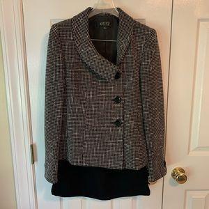 Kasper 2 pc Suit Jacket with Skirt Sz 8